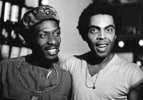 1 de Abril - 1948 — Jimmy Cliff - músico, cantor, compositor, jamaicano, com Gilberto Gil.