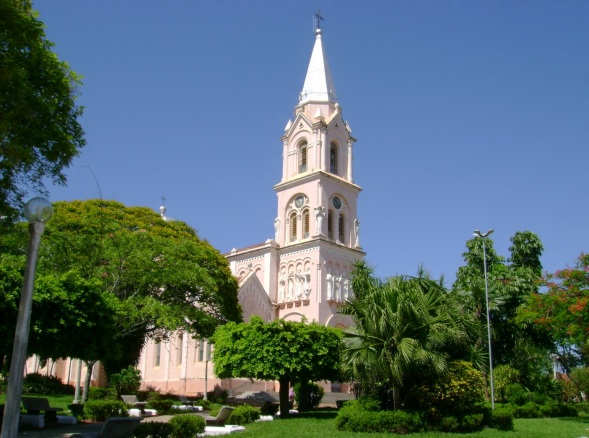 11 de Abril - Cafelândia, SP - Igreja matriz.