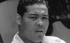 12 de Abril - 1981 — Joe Louis, pugilista estadunidense (n. 1914).