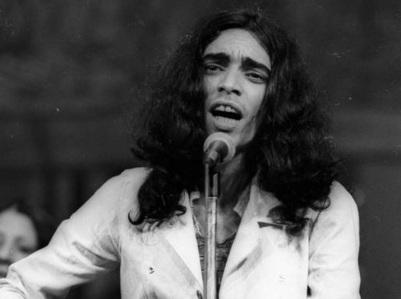 13 de Abril - 1947 — Sérgio Sampaio, cantor e compositor brasileiro (m. 1994).