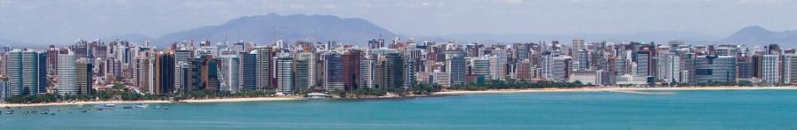 13 de Abril - Fortaleza com a Serra da Aratanha e parte da Serra de Maranguape ao fundo.