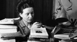 14 de Abril - 1986 — Simone de Beauvoir, escritora e filósofa francesa (n. 1908).