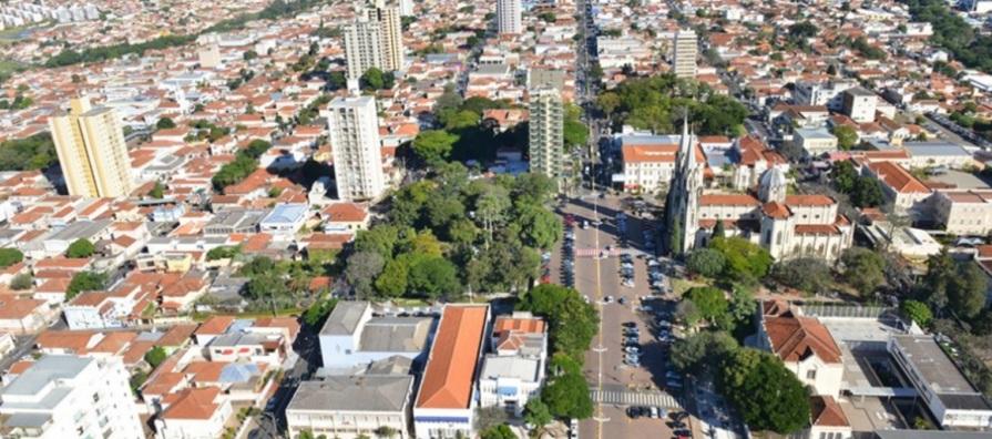 14 de Abril - Botucatu, São Paulo - tomada aérea.