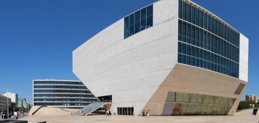 15 de Abril - 2005 — Inauguração da Casa da Música, no Porto.
