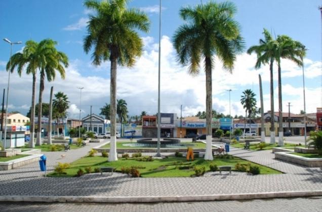 16 de Abril - Canguaretama - RN - coqueiros, calçadão.