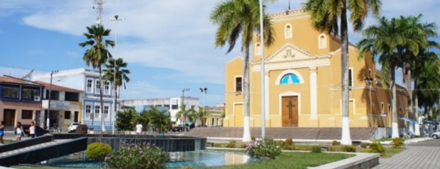 16 de Abril - Canguaretama - RN - igreja, praça.