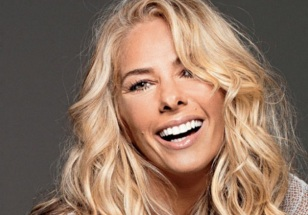 18 de Abril - 1973 — Adriane Galisteu, modelo e apresentadora de TV brasileira.