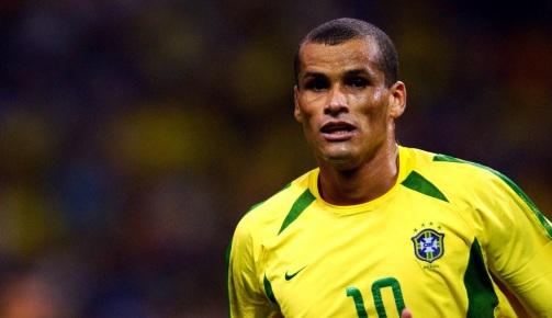 19 de Abril - 1972 - Nasce Rivaldo, futebolista brasileiro.