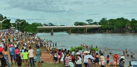 19 de Abril - Barra do Bugres - MT, rio.