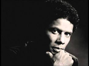 2 de Abril - 1964 — Gregory Abbott, cantor, compositor e produtor musical norte-americano.