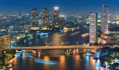 21 de Abril - 1782 — A cidade de Rattanakosin, hoje conhecida internacionalmente como Bancoque, é fundada na margem oriental do rio Chao Phraya pelo rei Buda Yodfa Chulaloke.