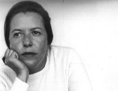 21 de Abril - 1930 - Hilda Hilst, poetisa, escritora e dramaturga brasileira (m. 2004).