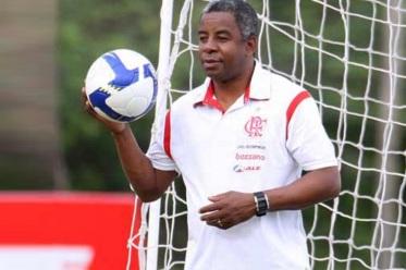 21 de Abril - 1957 — Andrade, treinador brasileiro de futebol.