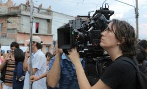21 de Abril - 1964 — Anna Muylaert, diretora de cinema e televisão brasileira. Bastidores da filmagem do longa metragem 'Que Horas Ela Volta', de Anna Muylaert, 2014. Foto - Aline Arr