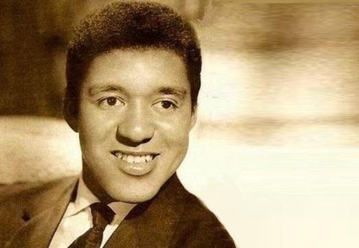25 de Abril - 1932 — Agostinho dos Santos, cantor e compositor brasileiro (m. 1973).