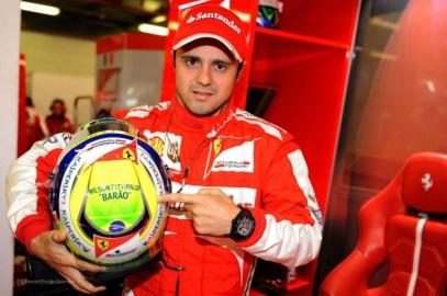 25 de Abril - 1981 — Felipe Massa, piloto brasileiro de Fórmula 1 - homenagem para Wilson Fittipaldi, o 'Barão'.