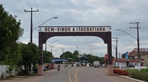 25 de Abril - Itacoatiara (AM) - Portal de entrada da cidade.