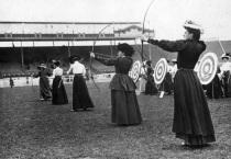 27 de Abril - 1908 – Abertura dos Jogos Olímpicos de Verão de 1908 em Londres.