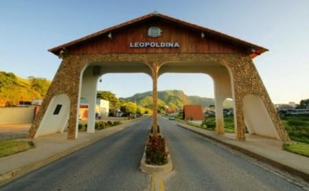 27 de Abril - Leopoldina - MG - entrada da cidade.