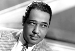 29 de Abril - 1899 – Duke Ellington, pianista de jazz e líder de banda estadunidense (m. 1974).