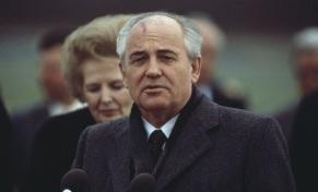 29 de Abril - 1988 – Glasnost - o líder soviético Mikhail Gorbachev promete mais liberdade religiosa.