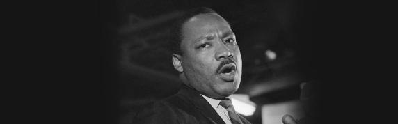 3 de Abril - 1968 — Martin Luther King Jr. profere seu discurso I've Been to the Mountaintop.