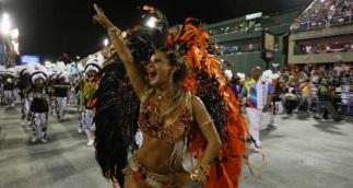 3 de Abril - Lucilene Caetano, rainha de bateria da Inocentes de Belford Roxo (RJ) - cidade - aniversário