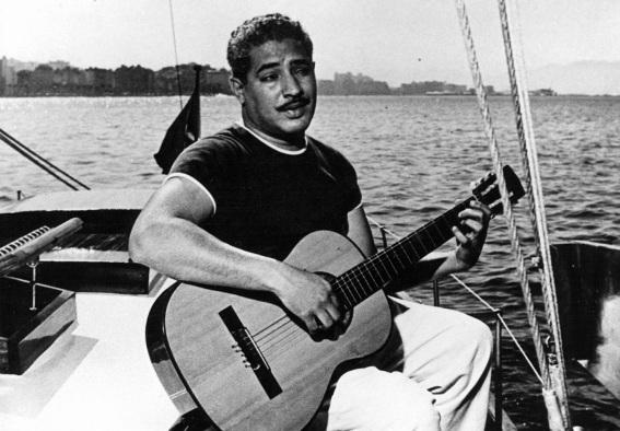 30 de Abril - 1914 — Dorival Caymmi, cantor, compositor e pintor brasileiro (m. 2008).