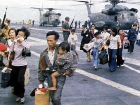 30 de Abril - 1975 — Queda de Saigon - forças comunistas ganham o controle de Saigon.