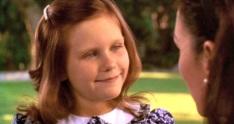 30 de Abril - 1982 - Kirsten Dunst, atriz norte-americana, criança.