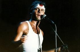 4 de Abril - 1958 - Cazuza - cantor e compositor brasileiro (m. 1990).