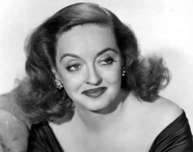 5 de Abril - 1908 - Bette Davis - atriz estadunidense (m. 1989).
