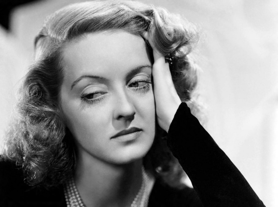 5 de Abril - 1908 - Bette Davis, atriz estadunidense (m. 1989).