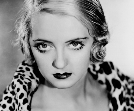 5 de Abril - 1908 - Bette Davis, atriz, estadunidense (m. 1989).