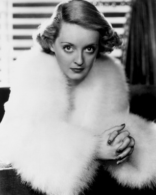 5 de Abril - 1908 - Bette Davis, atriz, estadunidense.
