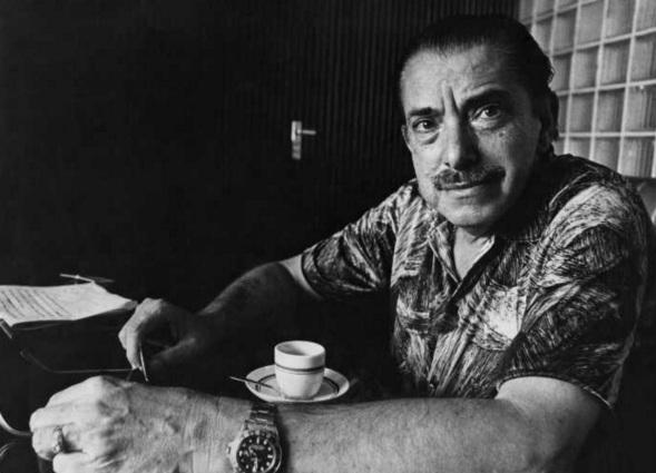 9 de Abril - 1912 - Amácio Mazzaropi, ator - diretor e comediante brasileiro - café.