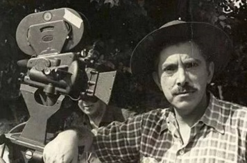 9 de Abril - 1912 - Amácio Mazzaropi, ator - diretor e comediante brasileiro - dirigindo.