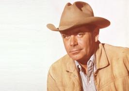 1 de Maio - 1916 — Glenn Ford, ator norte-americano (m. 2006).