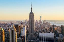 1 de Maio - 1931 – Inauguração do Empire State Building, em Nova Iorque.