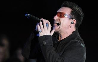 10 de Maio - 1960 - Bono, cantor irlandês da banda U2.