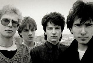 10 de Maio - 1960 - Bono, com a banda U2.