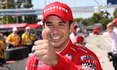 10 de Maio - 1975 — Hélio Castroneves, piloto brasileiro de automobilismo.