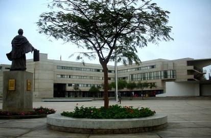 12 de Maio - 1551 – Em Lima é fundada a primeira universidade da América, a Universidade Nacional