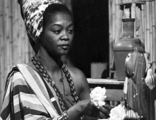 12 de Maio - Ruth de Souza - atriz afrobrasileira.