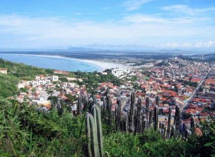 13 de Maio - Arraial do Cabo (RJ) - Vista da cidade a partir do alto do Atalaia.
