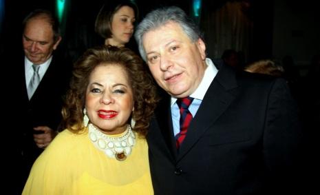 13 de Maio - Ângela Maria e o marido, Daniel, em festa.