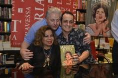 13 de Maio - Ângela, seu marido Daniel D' Angelo e Rodrigo Faour no lançamento do livro sobre sua vida.