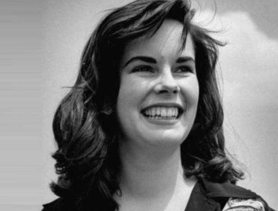 14 de Maio - 1925 - Oona O'Neill, esposa de Charles Chaplin (m. 1991).
