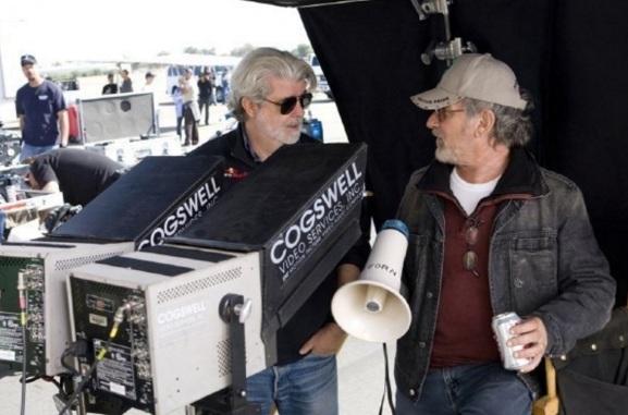 14 de Maio - 1944 – George Lucas, cineasta estadunidense, gravação, Indiana Jones, com Steven Spielberg.