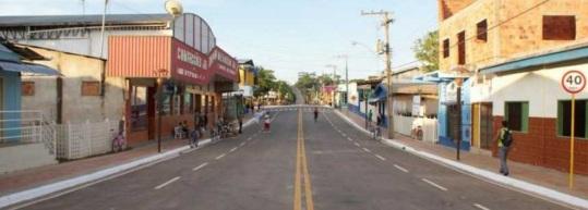 14 de Maio - Assis Brasil (AC) 41 Anos - Rua da cidade.